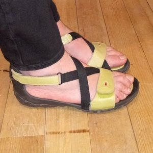 Wolky 8 Lime Cross Strap Walking/Comfort Sandals
